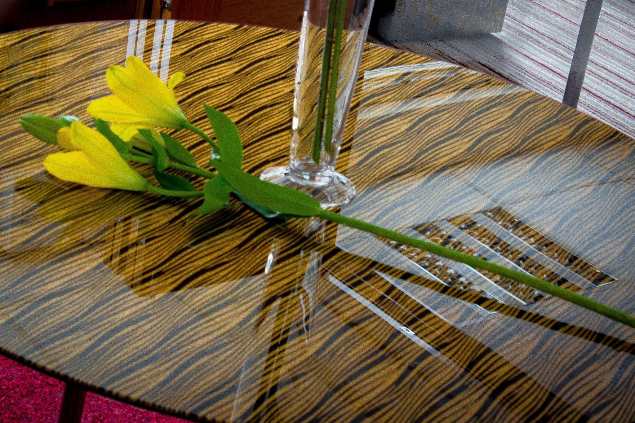 Glass table Top in 1212B Gold Stripes Kimorra®